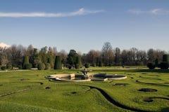 Uma parte do parque do palácio de Schonbrunn imagens de stock