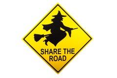 Uma parte o sinal de estrada para Dia das Bruxas Imagens de Stock