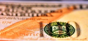 Uma perspectiva única da nota de 100 USD Fotografia de Stock Royalty Free
