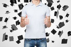 Uma pessoa com polegares acima Foto de Stock