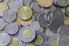 Uma pilha da mudança canadense fotografia de stock royalty free