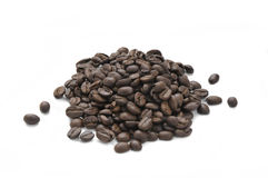 Uma pilha de feijões de café roasted Fotos de Stock Royalty Free