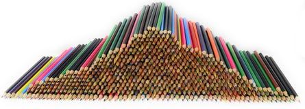 Uma pilha de lápis coloridos imagem de stock royalty free
