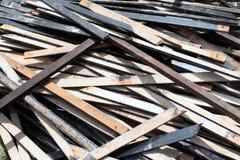 Uma pilha de madeira da sucata da câmara Fotografia de Stock Royalty Free