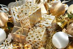Uma pilha de presentes do Natal Imagens de Stock Royalty Free