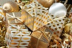 Uma pilha de presentes do Natal Fotografia de Stock