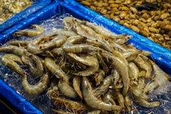 Uma pilha do camarão fotos de stock royalty free