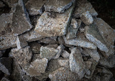 Uma pilha do concreto destruído Imagens de Stock