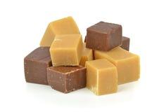 Uma pilha do fudge do caramelo do chocolate da baunilha foto de stock royalty free
