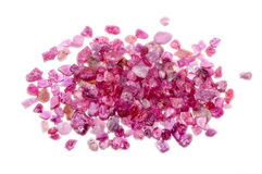 Uma pilha do rubi vermelho cor-de-rosa sem cortes áspero imagem de stock