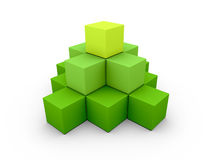 Uma pirâmide feita de caixas verdes similares Fotografia de Stock