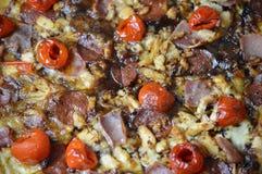 Uma pizza casa-feita deliciosa do presunto Fotos de Stock