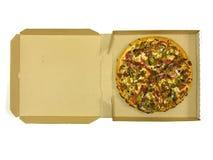 Uma pizza cheia Foto de Stock Royalty Free