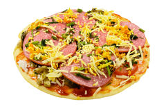 Uma pizza com pepperoni Imagens de Stock Royalty Free