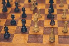 Uma placa de xadrez de madeira Imagem de Stock Royalty Free