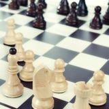 Uma placa de xadrez setup pronto para um jogo Fotografia de Stock Royalty Free