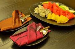 Uma placa do fruto que serve dando boas-vindas ao convidado Fotografia de Stock