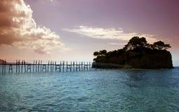 Uma ponte à ilha do cameo em Zakynthos foto de stock royalty free