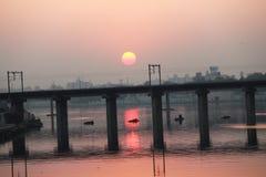 Uma ponte no por do sol - Ahmedabad, Gujarat fotos de stock
