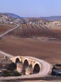 Uma ponte romana cruza o rio de Afrin em do norte Imagem de Stock