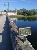 Uma ponte romana velha sobre o rio Lima foto de stock royalty free
