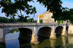 Uma ponte sobre Tiber Foto de Stock