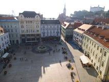 Uma praça pública em Bratislava imagens de stock royalty free