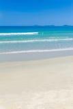 Uma praia branca bonita da areia em Vietnam Foto de Stock