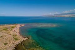 Uma praia com vista aérea fotos de stock