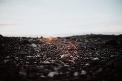Uma praia rochosa em Islândia Imagens de Stock Royalty Free