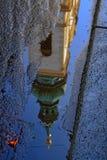 Uma reflexão de uma igreja de Viena Imagens de Stock Royalty Free