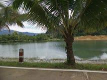 Uma represa na tarde fotografia de stock