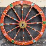 Uma roda da pintura de um siciliano típico do carretto, Sicília fotografia de stock