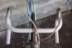 Uma roda de bicicleta velha fotos de stock royalty free