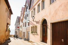 Uma rua bonita com as casas tradicionais no estilo alemão no der Tauber do ob de Rothenburg Euro-viagem germany Fotografia de Stock