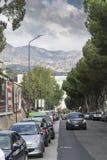 Uma rua em Messina Itália imagens de stock royalty free