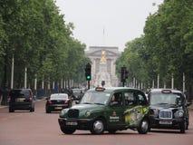 Uma rua na cidade de Londres fotos de stock royalty free