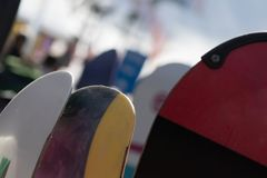 Uma ruptura da snowboarding foto de stock