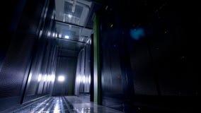 Uma sala do armazenamento de dados com luzes fora vídeos de arquivo