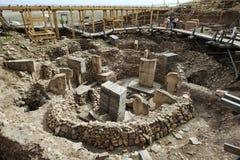 Uma seção do complexo do templo em Gobekli Tepe encontrou 10km de Urfa em Turquia do sudeste Fotografia de Stock