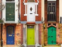 Portas da rua da casa fotos de stock