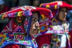 Uma senhora belamente vestida na parada do primeiro de maio em Cusco no Peru Imagem de Stock Royalty Free