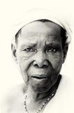 Uma senhora idosa dos poses de Ghana Fotografia de Stock