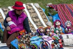 Uma senhora peruana perto de Cusco no Peru Imagens de Stock Royalty Free