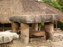 Uma sepultura antiga em Sumba ocidental fotografia de stock royalty free
