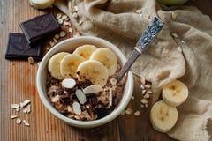 Uma sobremesa saboroso e uma refeição clara em uma bacia Imagem de Stock