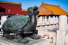 Uma tartaruga de cobre na cidade proibida Imagem de Stock Royalty Free