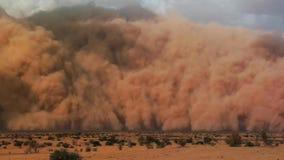 Uma tempestade de areia com o céu azul no deserto de Namib, parque de Naukluft, Namíbia, África foto de stock