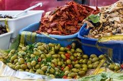 Uma tenda típica com produtos sicilianos Fotografia de Stock Royalty Free