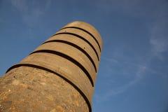 Uma torre de Martello no forte Saumarez, usado pelas forças de ocupação alemãs durante o 16o da guerra mundial 2 - forte Saumarez fotografia de stock
